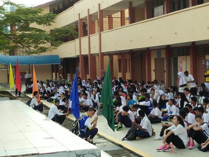 Murid-murid di sekolah Cikgu Kek