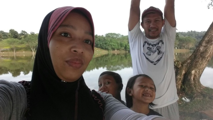 Ruwaida bersama keluarga di MARDI